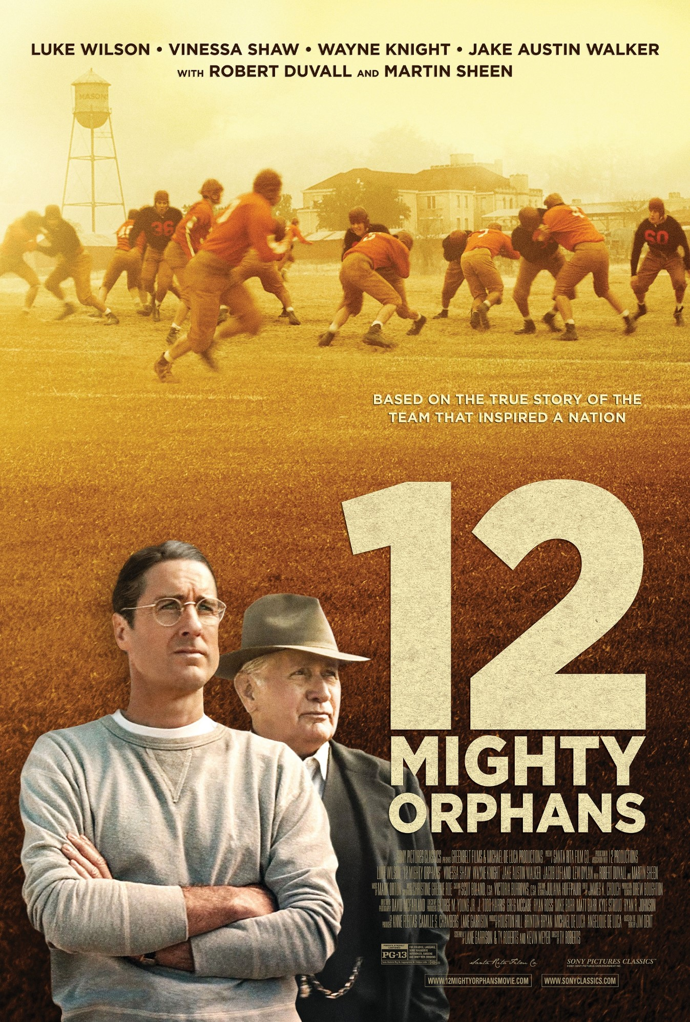 12 Mighty Orphans movie review